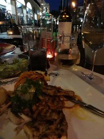 Friends Lounge Bar & Restaurant: IMG_20181025_195642_large.jpg