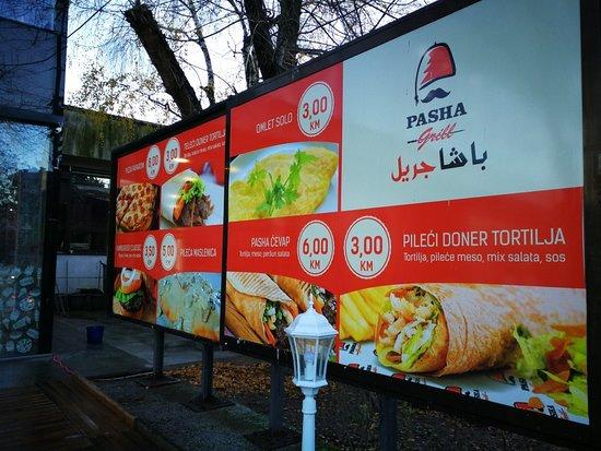 Ilidza, Bośnia i Hercegowina: لافته خارجية