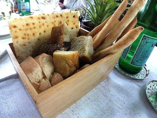 Alle Darsene di Loppia: bread