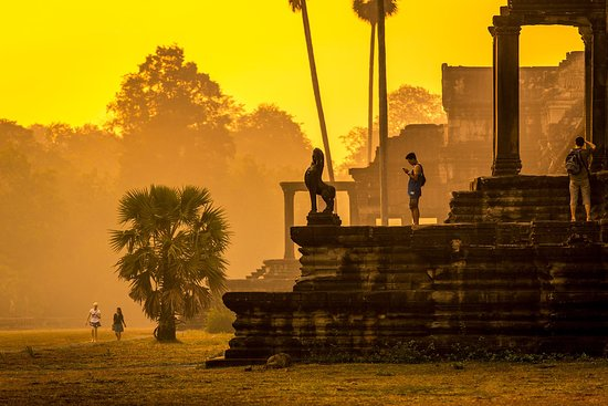 Angkor Holiday Travel