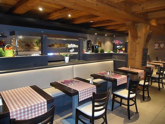 Modern Gezellig Interieur : Modern interieur maar wel gezellig. picture of le restaurant les