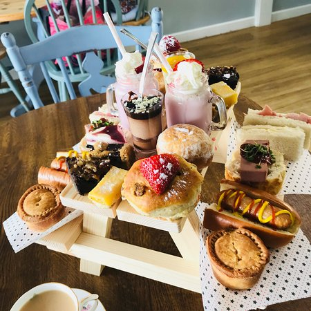 The Old Bank Cafe: Afternoon tea picnic