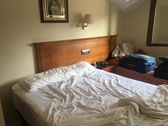 Gondomar, Испания: Cama matrimonio pegada y otra cama