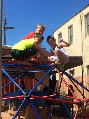 Caldwell, TX: Playscape for the kids