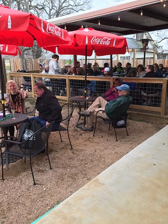 Caldwell, TX: Patio Cafe and Live Music!!