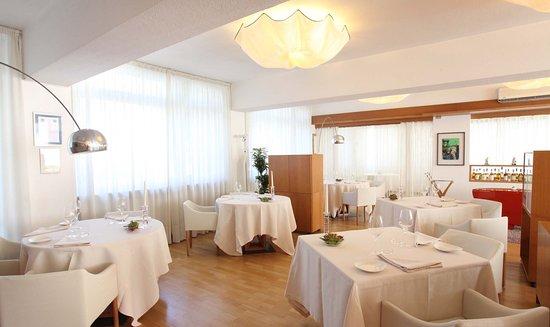 Isola d'Asti, Italy: Particolare della sala pranzo
