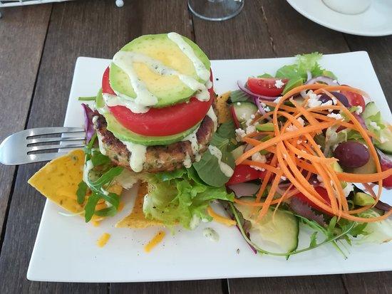 Pringle Bay, Südafrika: Salmon and Tuna Burger...either served on Ciabatta or Corn Chips. So delicious
