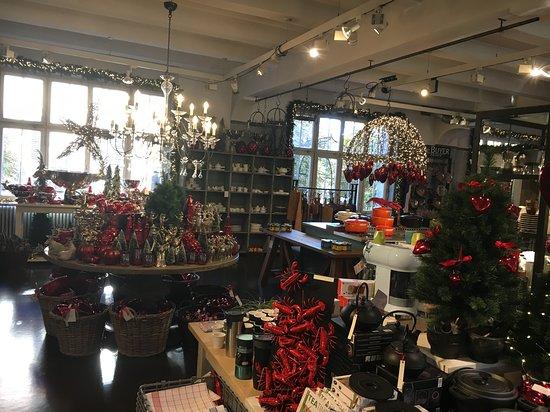 Erste Weihnachtsdeko Bild Von Merz Benzing Stuttgart Tripadvisor