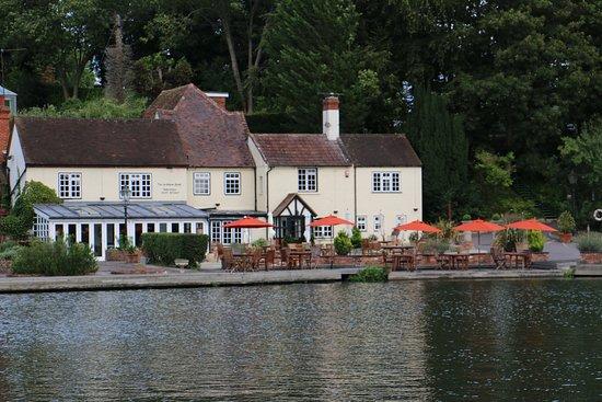 Goring-on Thames, UK: The Leatherne Bottel, Goring on Thames