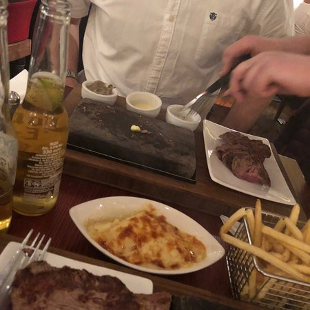 Great steak, great staff, great night !