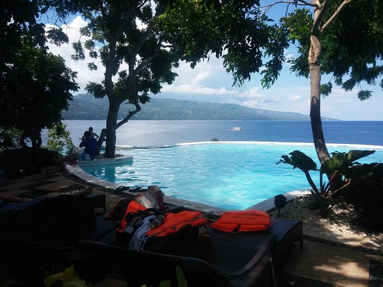 Остров Сумилон, Филиппины: 수영장 너무이뻐서 한장