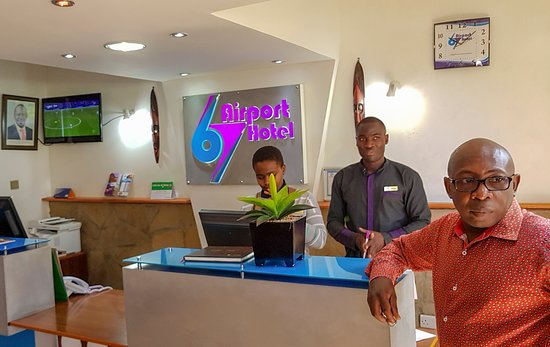 67 Airport Hotel: Reception