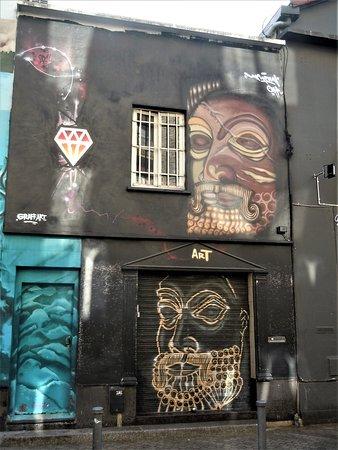 Fresque Les Masques
