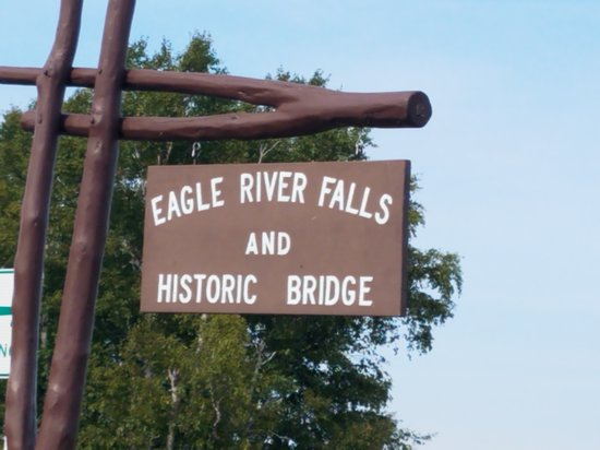 Eagle River, MI: Sign at the parking area to falls