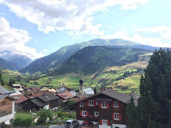 Curaglia, Ελβετία: Blick ins Tal Richtung Lukmanierpass