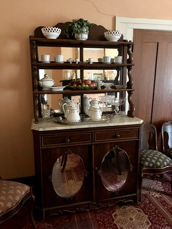 Oaks Museum House: Sideboard