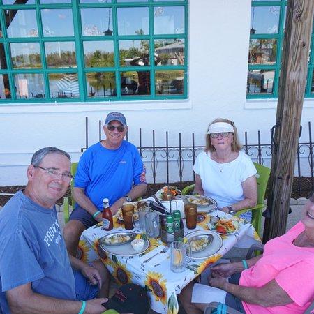 Little Bar Restaurant: photo0.jpg