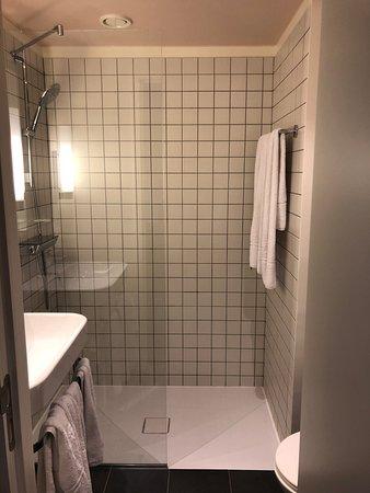 VAN BELLE HOTEL $66 ($̶8̶6̶) - Updated 2018 Prices & Reviews ...