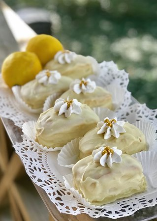 The Sicilian KISS Vanilla Cake, Lemon Filling, dipped in White chocolate.