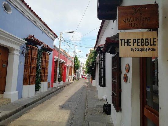 La calle hermosa en el centro historico