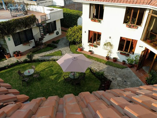 Hotel Rincon Aleman: View from the great rooftop terrace into the quiet courtyard