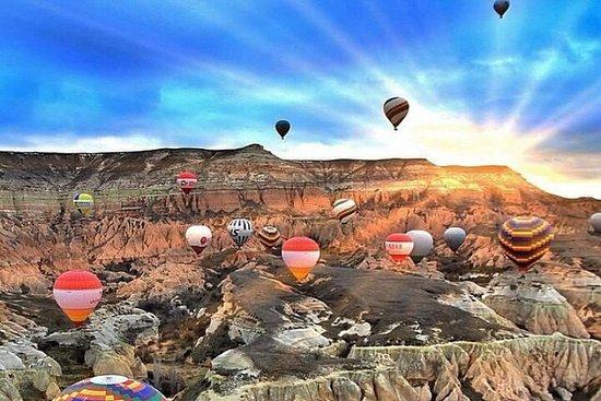 Vol en montgolfière à Cappadoce avec...