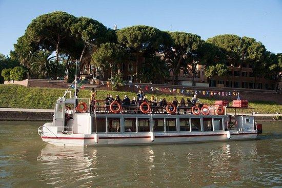 Crucero por el río Tíber de Roma con...