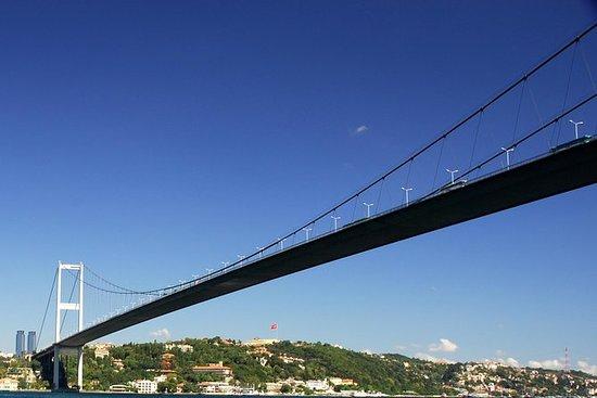 Ponte do Bósforo da Europa para a...