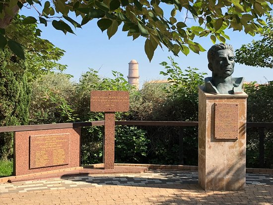 Monument aux Heros de la Mer