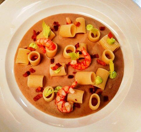 Avorio Restaurant: Mezze maniche crema di borlotti gambero Rosso di Mazzara e pancetta affumicata.