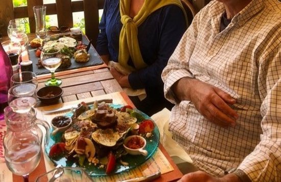 Roquebilliere, فرنسا: Foie gras and veggie salad platters - October 2018