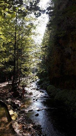 Fondo, Italia: Passeggiata del Burrone