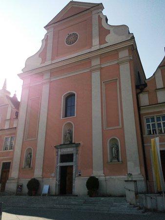 Servitenkloster / Pfarrkirche