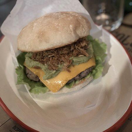 La Colchoneria Rustic Burger
