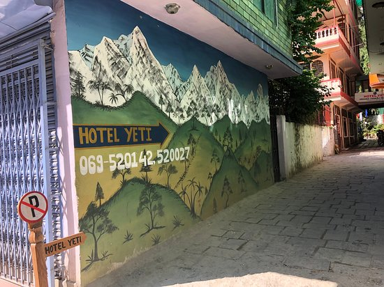 Beni, Nepál: Hotel Yeti Entrance