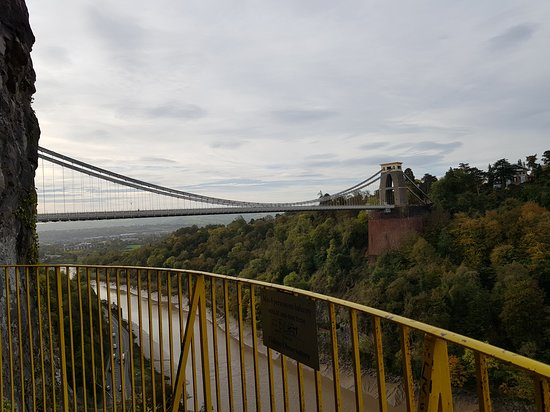 Clifton Observatory and Caves: The bridge from the look outy