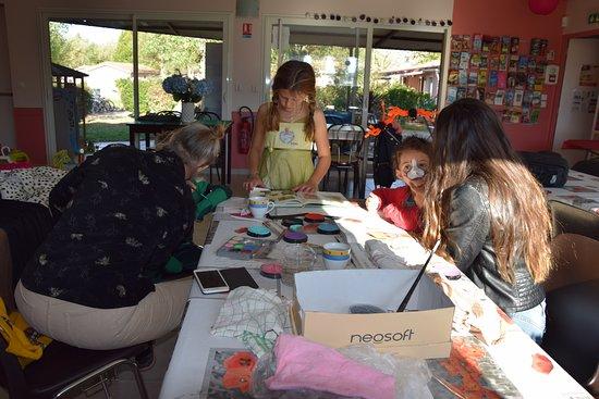 Montlaur, Γαλλία: Activités Maquillage et déguisements