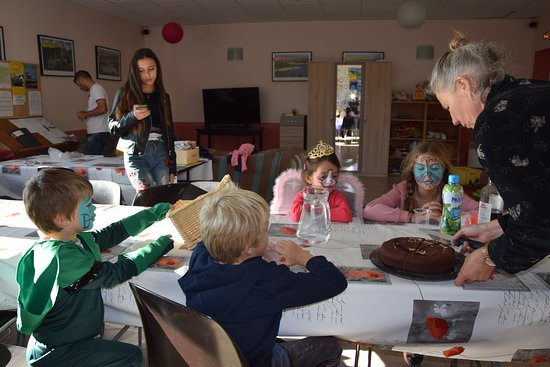 Montlaur, Γαλλία: Après les activités, récompense avec le gâteau au chocolat de Sylvie