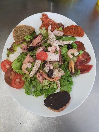 Venasque, Francja: Salade de fruits de mer