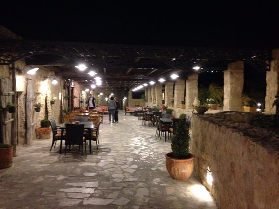 Hayatt Zaman Hotel and Resort: esterno ristorazione