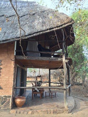 Kafunta River Lodge: Front of Lion lodge