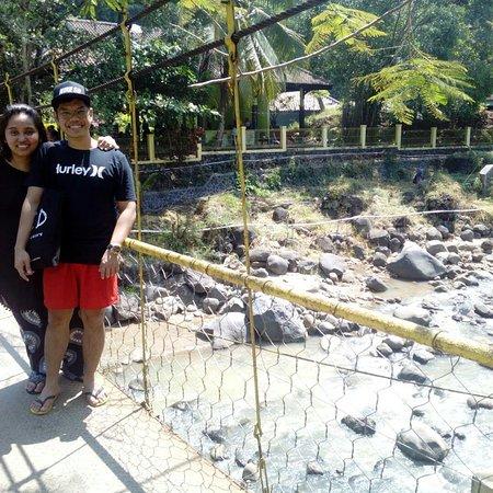 Explore Pelabuhan ratu visiting cisolok hotspring with mr.edu java private tour