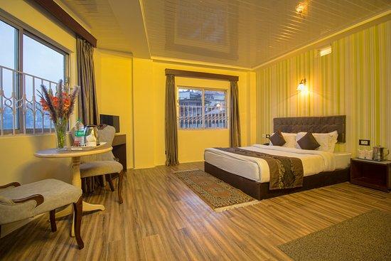 Interior - Hotel Yuma Photo