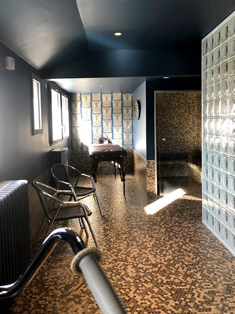 Notre Espace Bien-être avec hammam, sauna et service de massages sur rdv.