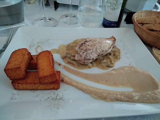 La Bastide, France: Suprême de poulet frite de polenta