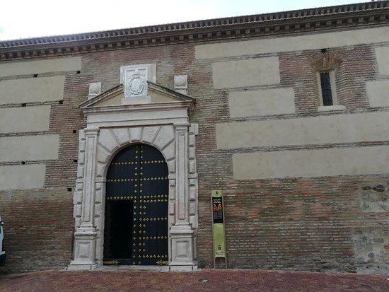 Iglesia de la Encarnacion: Puerta de entrada