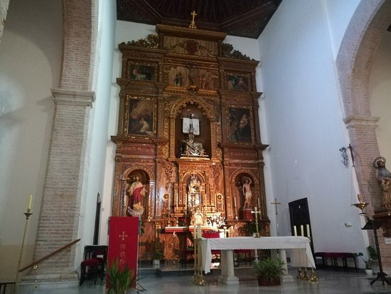 Iglesia de la Encarnacion: Altar y retablo