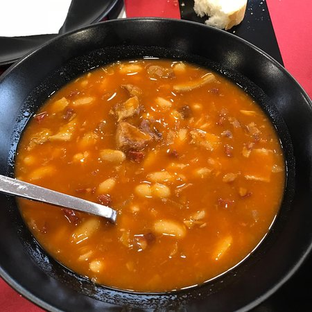 Gea de Albarracin, Spanje: Menú de setas y súper judías con morro que resucitan