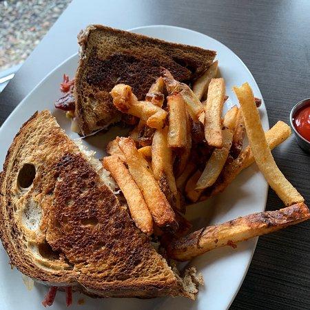 Station 101 Pub & Kitchen: full version of Rueben sandwich