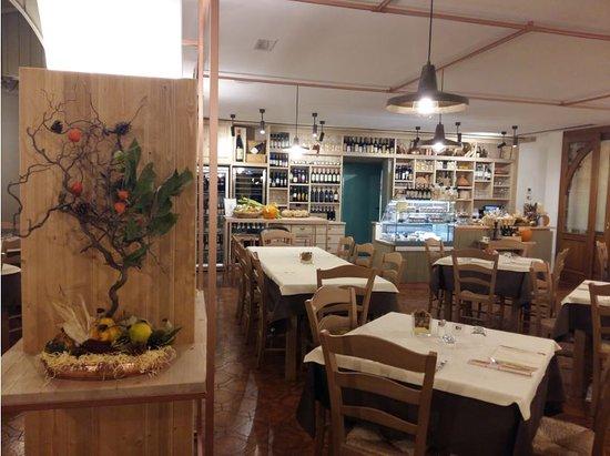 Serina, Itália: sala da pranzo
